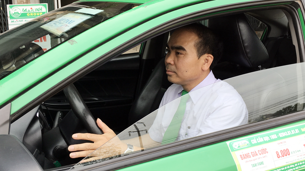 Tài xế taxi Trần Văn Quang: 12 năm lái xe an toàn, trung thực